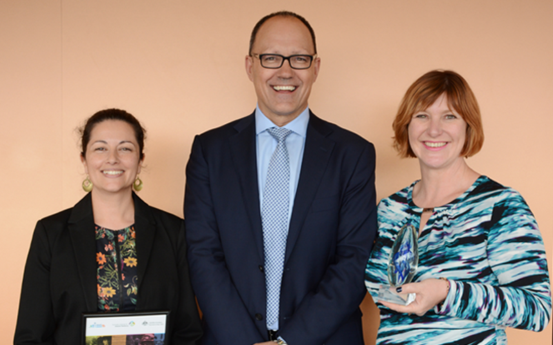 L-R: Laura Gooyers, Hon. Corey Wingard MP, Nicola Palfrey. Image: Australian Institute for Disaster Resilience